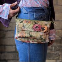 Neus Bumbag Multipocket Fannypack Floral Leather