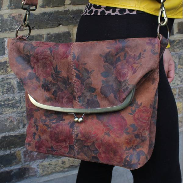 Large Clip Bag Dark Floral Leather
