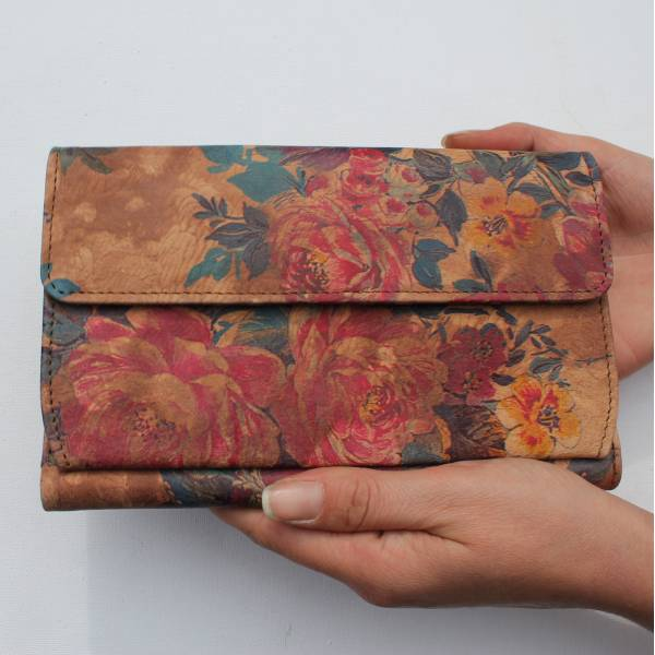 Travel Wallet Floral n14 brownish Leather