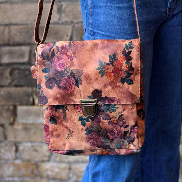 Envelope Medium Printed Floral 14 Leather Bag