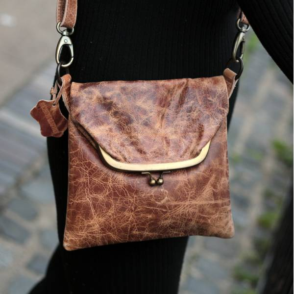 Dublin Mini Clip Bag Brown Scrunchy Leather