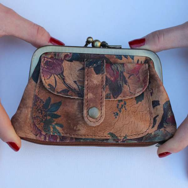 Amy Clip Frame Purse in Summer Floral
