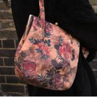 Dolly Floral Clipframe Bag