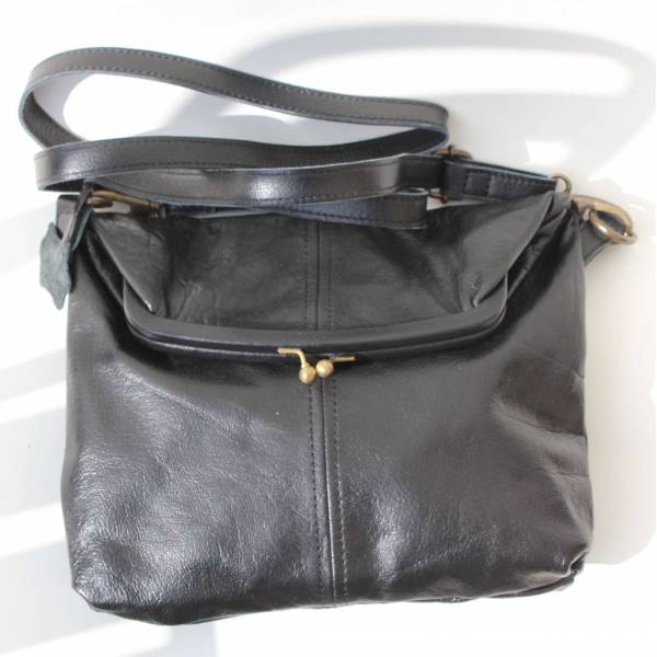 Medium Clip Bag Black Leather