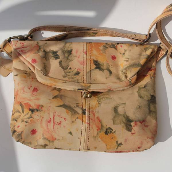 Medium Clip Bag Floral Leather Tan