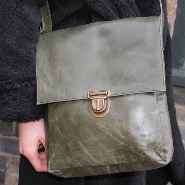 Envelope Medium Messenger Bag Olive Green Pushthrough Clip
