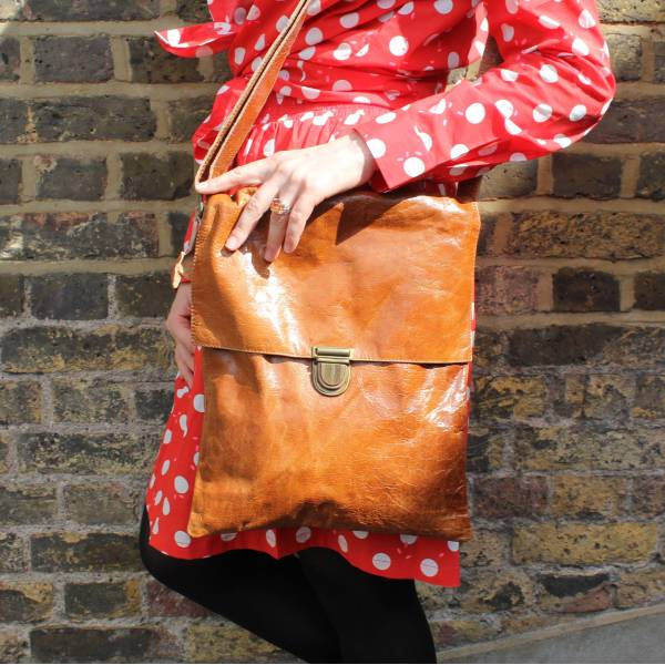 Envelope Tan Leather Large Bag