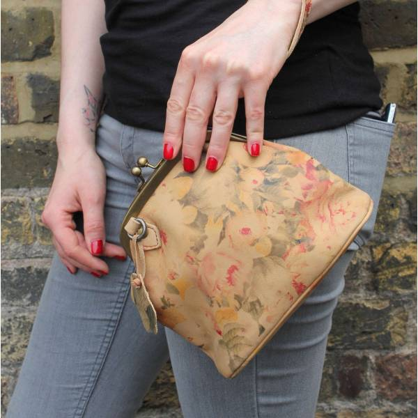 Evanna Clip Bag With Floor Floral Leather