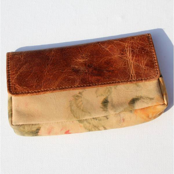 Pouch Wallet Tan Scrunchy And Floral Leather