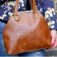 Tan Smooth Leather Clip Bag