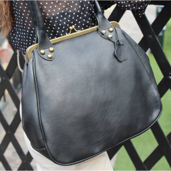 Perpetua Black Leather Clip Bag