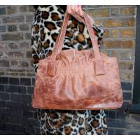 Victoria Medium Clipframe bag in Tan Scrunchy Leather Vintage