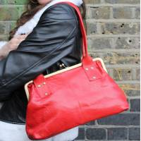 Doris Shoulder Bag Clipframe Red