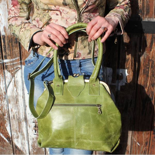 Lucy Frame Bag Apple Green