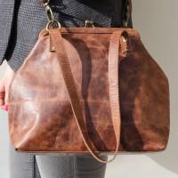 Maya Medium Clip Bag
