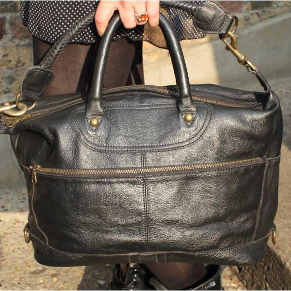 Gertrude Medium Black Waxy Leather Holdall