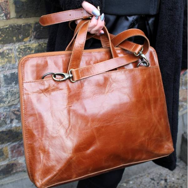 Tony Laptop Bag Tan for 18 inch laptop