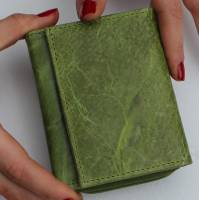 Small Grande Apple Green Leather Trifold Wallet