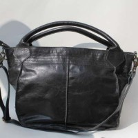 Medium Tote Black Leather
