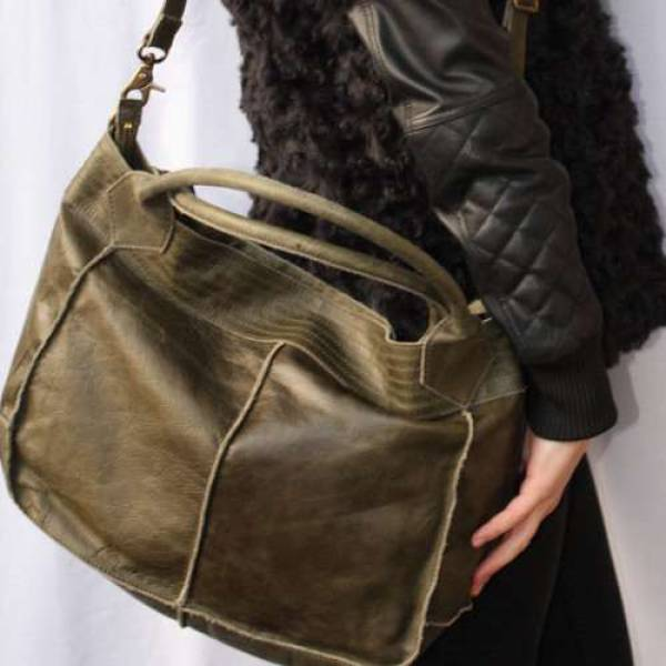 Bach Medium Tote Olive Leather