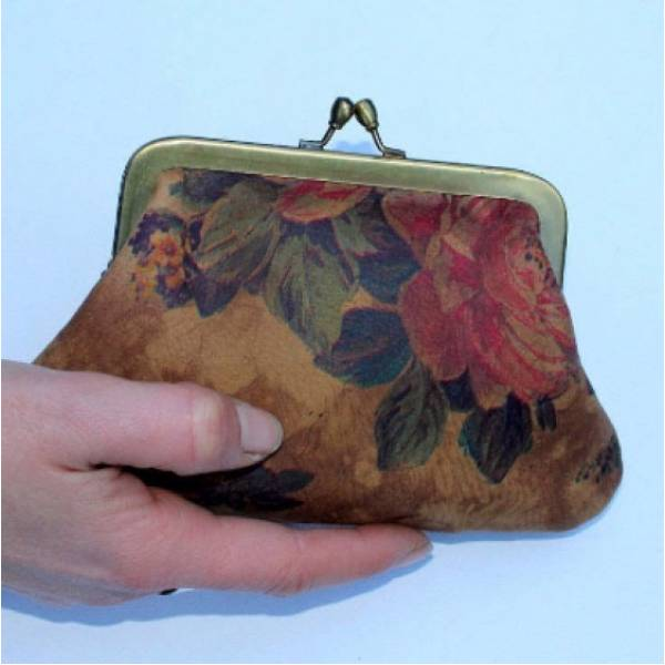 Large Kiss Clip Purse Floral n 14 Print Leather
